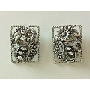 Sarah Coventry Silver Tone Clip On Earrings Chunky